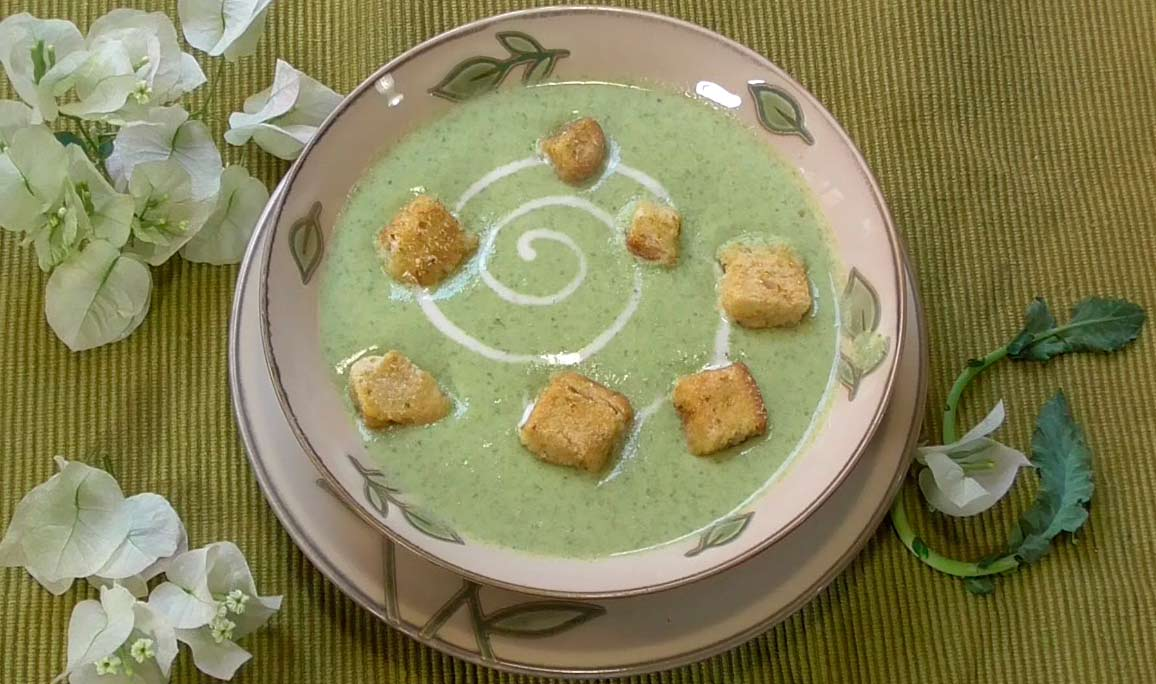 Creamy and tasty Mexican broccoli soup