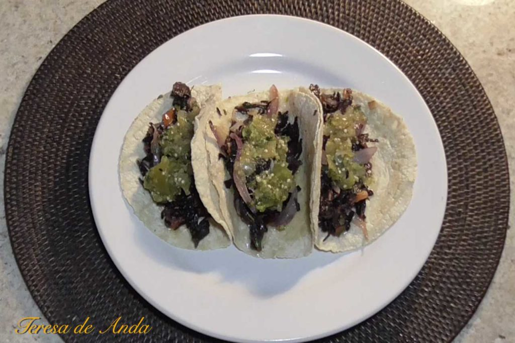 Mexican tacos with Jamaica